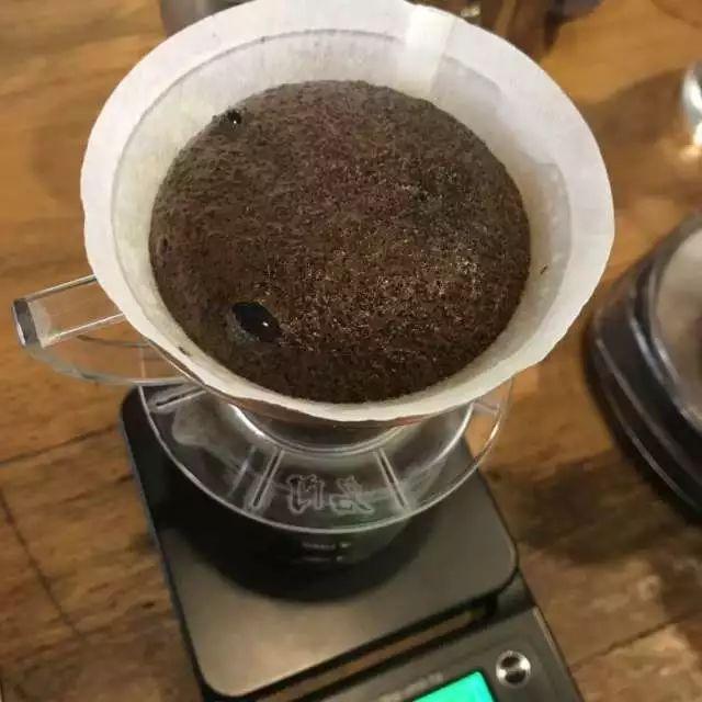 改善手冲咖啡闷蒸效果,只需要一个小技巧!