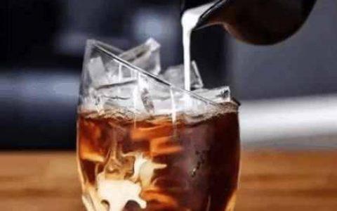 别怀疑,冰美式咖啡就是这么简单