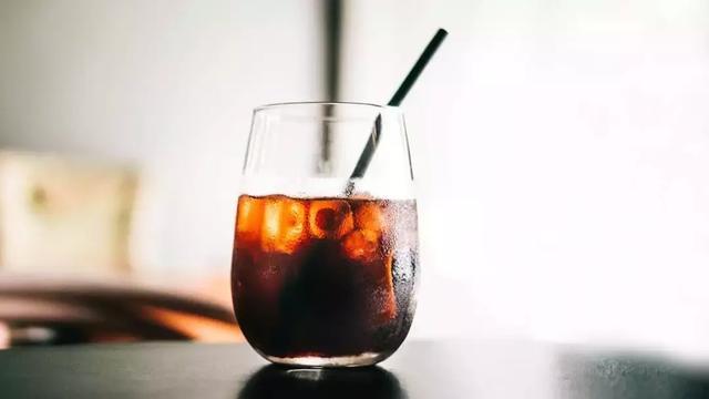 明明都是冰咖啡,凭什么冷萃咖啡就卖得更贵?