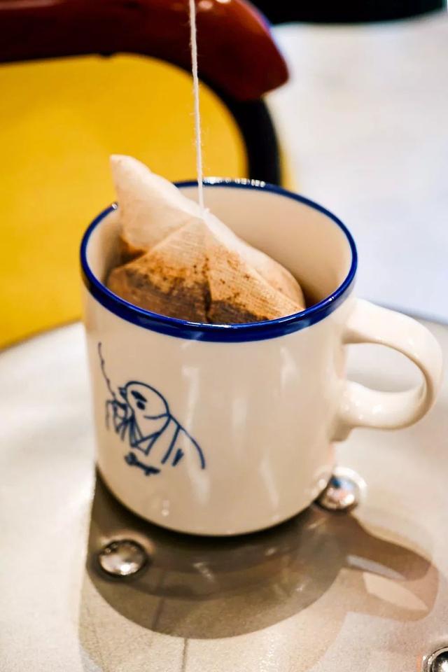 夏天来了,喝一杯冰咖啡吧