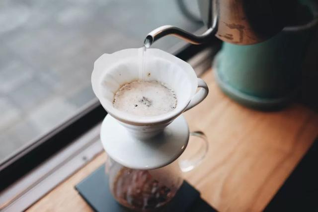 【真·新手入门指南】从零开始学手冲咖啡的三重境界