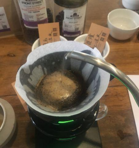 【新手入门】手冲咖啡不会绕圈注水怎么办?那就别绕啊!