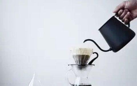"""手冲咖啡为什么要""""闷蒸""""?"""