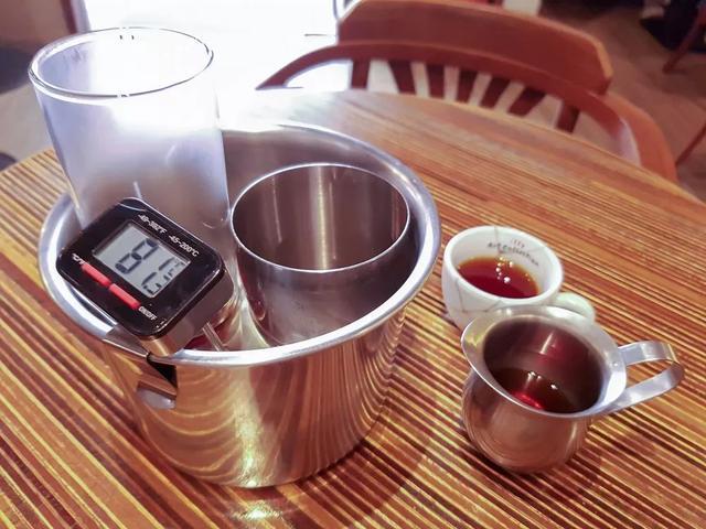 """保温瓶装咖啡会变难喝?""""外带咖啡""""到底该用什么容器才好喝?"""
