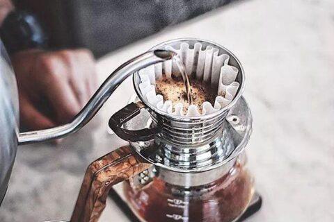 零基础学习手冲咖啡关于滤杯的选择与运用