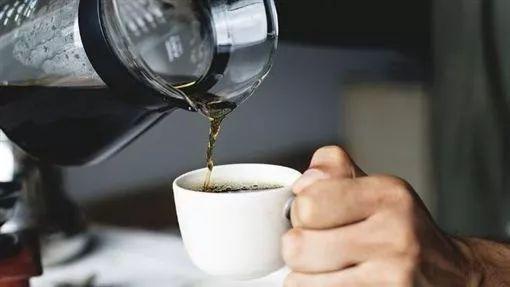 冲咖啡千万别犯这9个「关键错误」!营养流失还伤身