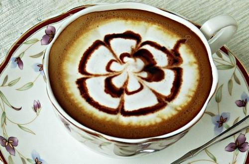 """上班族千万别错过七个最佳""""咖啡时间表"""",轻松解压"""