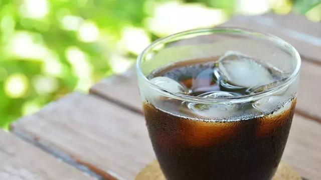 抓住夏天的尾巴,来一杯冰酿咖啡吧