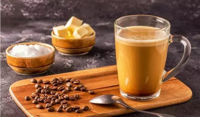 低碳和生酮都离不开的防弹咖啡,如何自己制作?5分钟搞定它