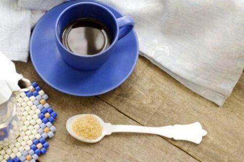 喝咖啡致牙齿变黄?3大方法解决牙齿黄